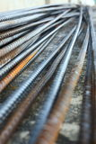 Barra de refuerzo de acero de la barra del Rebar en la construcción Fotografía de archivo libre de regalías