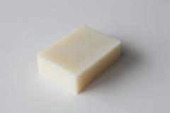 Barra del jabón hecho a mano blanco Fotos de archivo