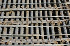 Barra del refuerzo a ser parte de las estructuras de edificio Fotografía de archivo