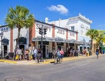 Barra descuidada de Joes en Key West Imagenes de archivo