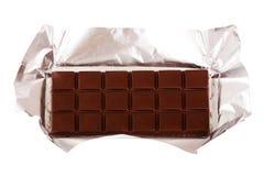 Barra di cioccolato in stagnola d'argento Fotografia Stock Libera da Diritti
