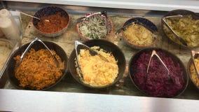 Barra di insalata israeliana immagini stock libere da diritti