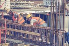 Barra 3 di rinforzo dei legami dei lavoratori Immagini Stock