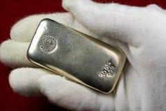 Barra do lingote de prata - metal precioso Imagem de Stock