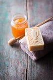 Barra do sabão handmade natural fotografia de stock royalty free