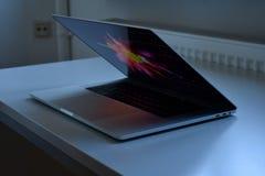 Barra do toque de Mac Book Pro 15 Zoll imagens de stock royalty free