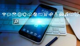 Barra e ícones modernos da Web sobre o telefone celular Fotos de Stock Royalty Free