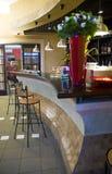 Barra en café Foto de archivo libre de regalías