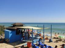 Barra española de la playa en verano fotografía de archivo