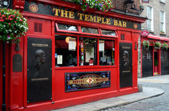 Barra famosa del templo en Dublín Foto de archivo