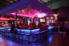 Barra Go-Go na rua de passeio em Pattaya Fotos de Stock Royalty Free