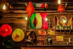 Barra mexicana rústica y acogedora imágenes de archivo libres de regalías