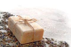 Barra natural do sabão de banho do cuidado de Aromatherapy Marselha fotos de stock