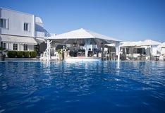Barra por la piscina Imágenes de archivo libres de regalías