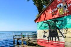 Barra sulla spiaggia caraibica, Livingston, Guatemala Fotografia Stock Libera da Diritti