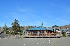 Barra y restaurante icónicos en Sumner Beach, Christchurch Imagenes de archivo