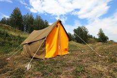 Barraca de acampamento na natureza exterior. Turismo Fotografia de Stock