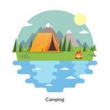 Barraca de acampamento Paisagem do VERÃO Ícones lisos do curso Fotografia de Stock