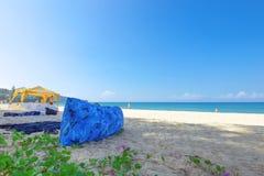 Barraca e airbag da segurança na praia Fotografia de Stock Royalty Free