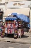 Barracas dos vendedores ambulantes no 25 de março, cidade Sao Paulo, Brasil Imagem de Stock Royalty Free