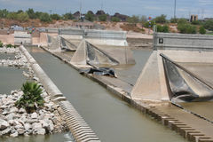 Barrage éclaté par lac de ville de Tempe Images stock
