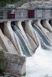 Barrage électrique hydraulique de générateur Photographie stock libre de droits