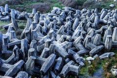 Barrage concret gigantesque de polyèdres Images stock