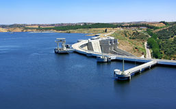 Barrage d'Alqueva. Image stock