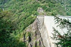 Barrage dans Val Verzasca (Tessin - Suisse) Images libres de droits