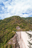 Barrage dans Val Verzasca (Tessin - Suisse) Photographie stock