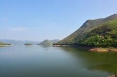 Barrage de Kaeng Krachan, province de Phetchaburi, Thaïlande Images stock