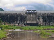 Barrage de Khun Dan Prakan Chon Photos libres de droits