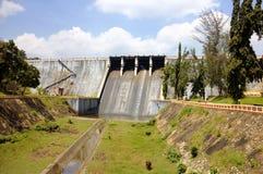 Barrage de Neyyar - un barrage de gravité sur la rivière de Neyyar dans le secteur de Thiruvananthapuram Image stock