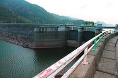 Barrage de Randenigala dans Sri Lanka photos libres de droits