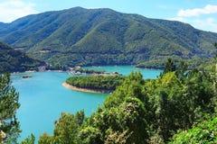 Barrage de Vacha en montagnes de Rhodopes, Bulgarie Images libres de droits