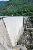 Barrage de Verzasca près de Locarno, Suisse. Photos stock