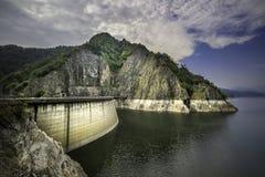 Barrage de Vidraru dans Transfagarasan, Roumanie Photos libres de droits