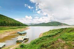 Barrage et réservoir en Thaïlande Photo libre de droits