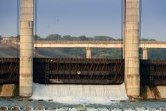 Barrage gandhinagar - Inde de rivière Image stock