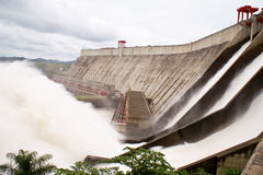Barrage hydro-électrique de Guri images stock