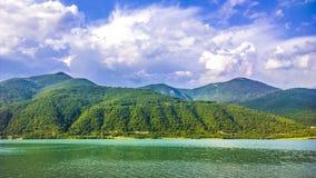Barrage (lac) en Géorgie Images libres de droits