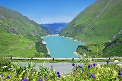 Barrage, lac et Alpes de Kaprun en Autriche images libres de droits