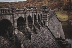 Barrage magnifique de Vyrnwy de lac dans Powys, Pays de Galles photos stock