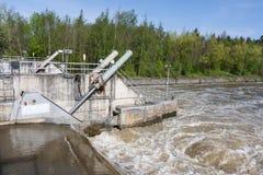 Barrage no rio Meuse para regular o nível de água Imagens de Stock Royalty Free