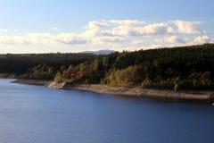 Barrage Rappbode-Talsperre de Rappbode avec Brocken à l'arrière-plan Photographie stock libre de droits