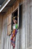 Barrage thaï de femmes asiatiques de verticale, Laos Image libre de droits