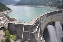 Barrage Toyama de Kurobe Photos stock