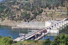 Barragem do Carrapatelo in Douro river, Portugal Royalty Free Stock Photos