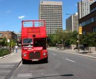 Barramento do vermelho do curso de Montreal Imagens de Stock