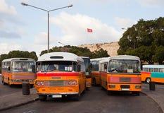 Barramentos no terminal de barramento em Valletta Imagem de Stock Royalty Free